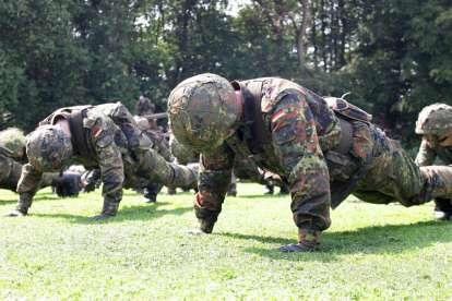 Тренировка за армията