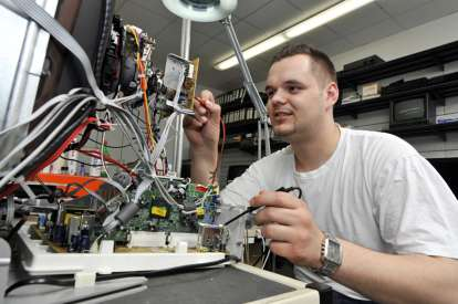 An electrical technician / TOEIC® listening